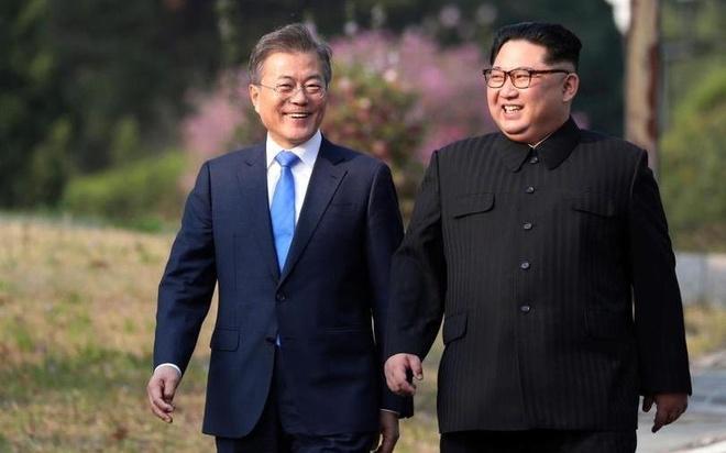 Mot Kim Jong Un rat khac nhin tu hoi nghi lien Trieu hinh anh