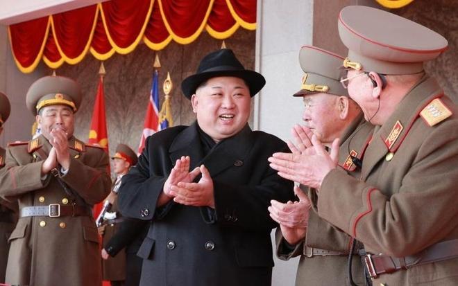 Trieu Tien lien tuc doi giong: Ong Kim doi y hay giang co noi bo? hinh anh