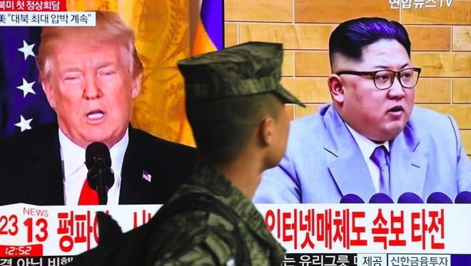 Trump gap Kim: Nhat lo lang, Han hy vong, Trung than trong hinh anh