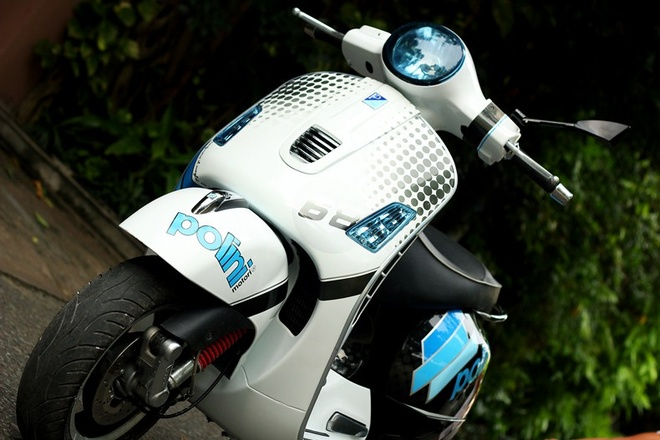 Bo doi Vespa do la mat voi mau xanh xe dua MotoGP hinh anh 6