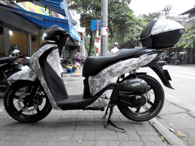 Honda SH do mau ao nha binh o Ha Noi hinh anh