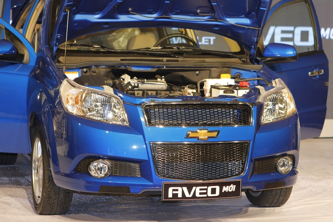 Anh chi tiet Chevrolet Aveo 2013 gia tu 435 trieu dong hinh anh