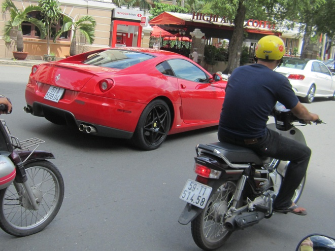Ferrari 599 GTB doc nhat Viet Nam tai xuat o Sai Gon hinh anh 6