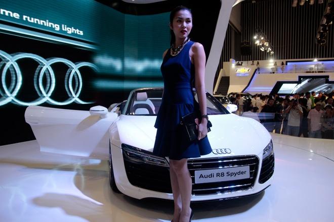 Tang Thanh Ha cam lai sieu xe Audi R8 V10 mui tran hinh anh 2