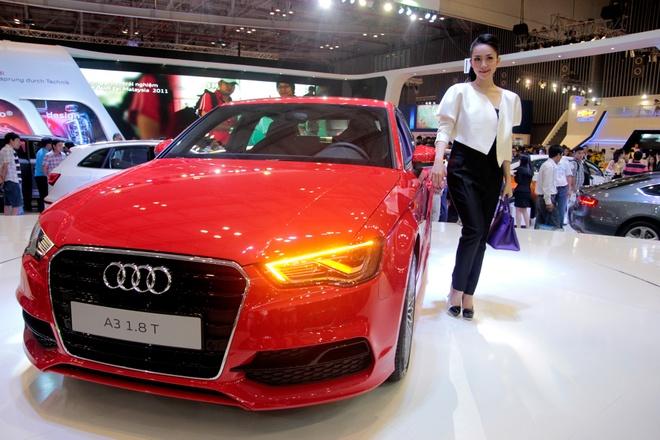 Nghe si mua Linh Nga dieu da ben Audi A3 2014 hinh anh 1