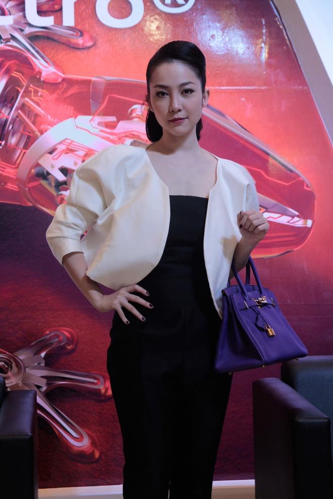 Nghe si mua Linh Nga dieu da ben Audi A3 2014 hinh anh 9