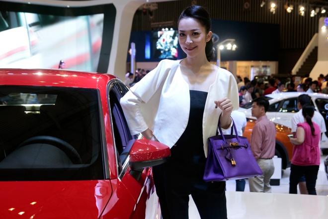 Nghe si mua Linh Nga dieu da ben Audi A3 2014 hinh anh 3