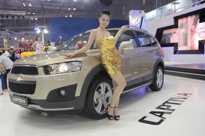 Chevrolet Captiva 2013 chinh hang gia 929 trieu dong hinh anh
