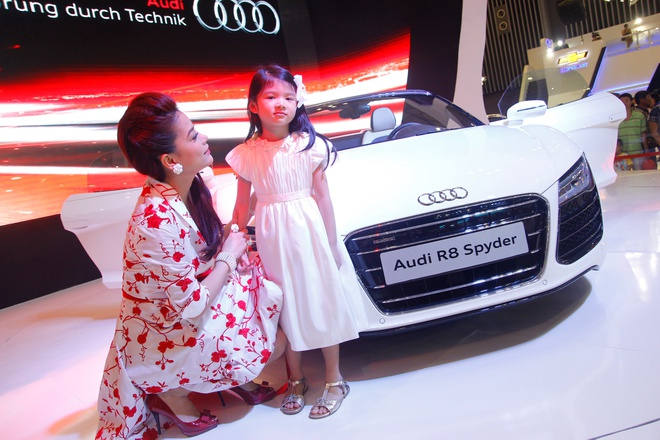 Binh Minh, Truong Ngoc Anh thu tieng po sieu xe Audi R8 hinh anh 9