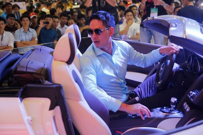 Binh Minh, Truong Ngoc Anh thu tieng po sieu xe Audi R8 hinh anh 3