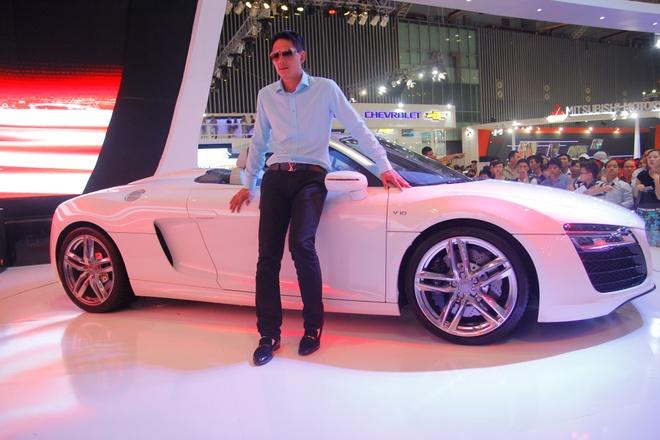 Binh Minh, Truong Ngoc Anh thu tieng po sieu xe Audi R8 hinh anh 1