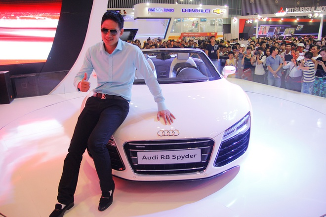 Binh Minh, Truong Ngoc Anh thu tieng po sieu xe Audi R8 hinh anh 2