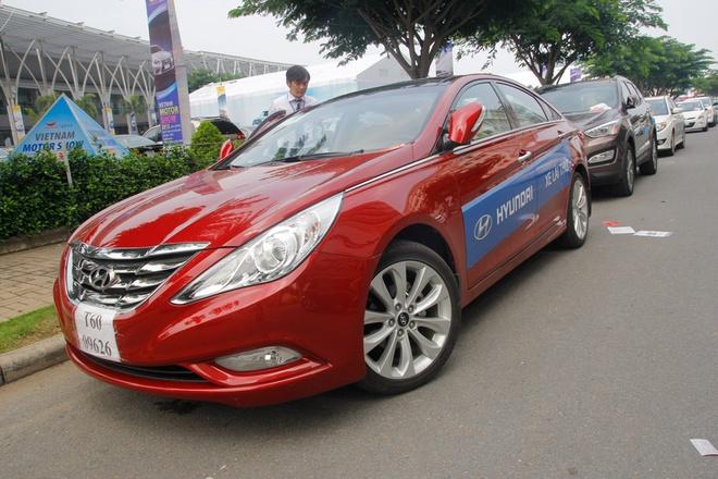 Dai ly Hyundai to chuc lai thu xe 'chui' o VMS 2013 hinh anh