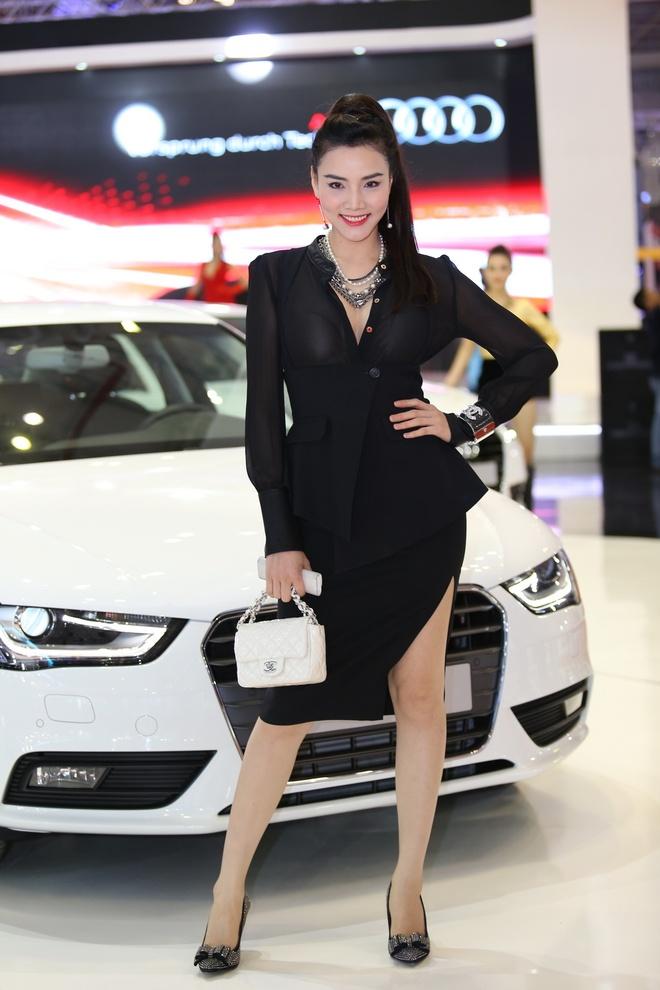 Dan sao dai su cua Audi tai Vietnam Motor Show 2013 hinh anh 2