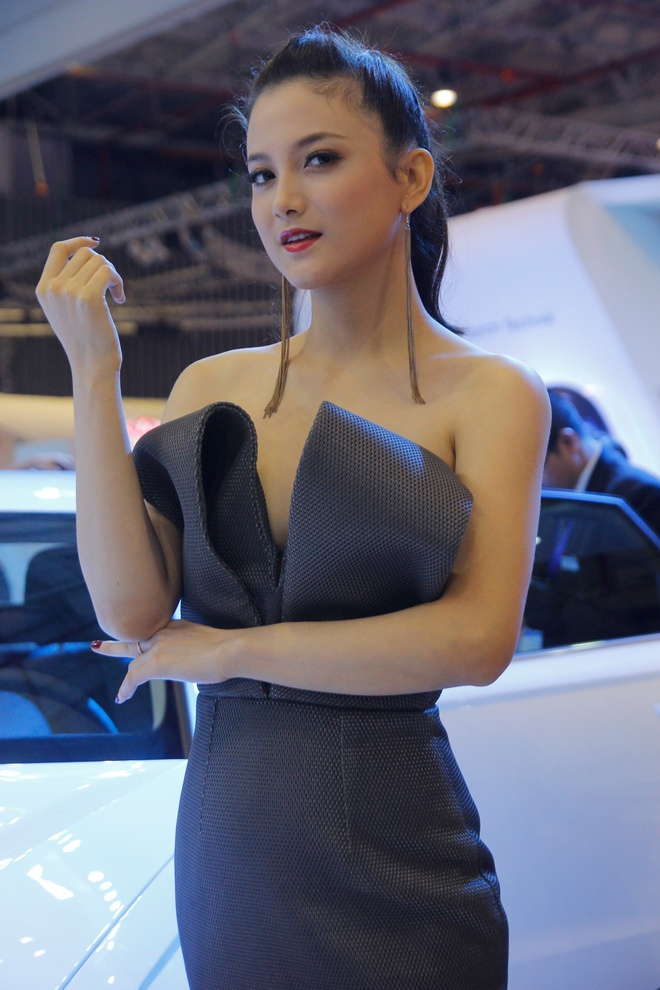 Dan sao dai su cua Audi tai Vietnam Motor Show 2013 hinh anh 13