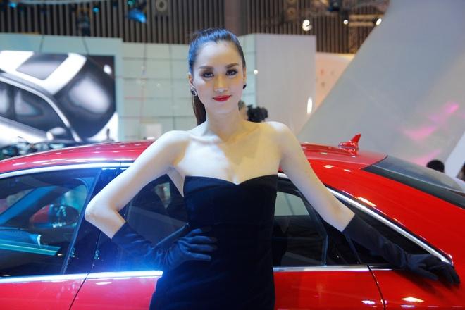 Dan sao dai su cua Audi tai Vietnam Motor Show 2013 hinh anh 10