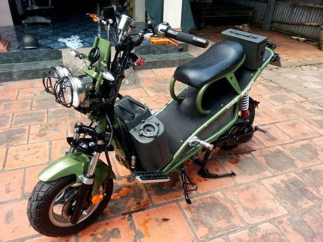 Nong dan Dong Thap do Honda Zoomer phong cach nha binh hinh anh