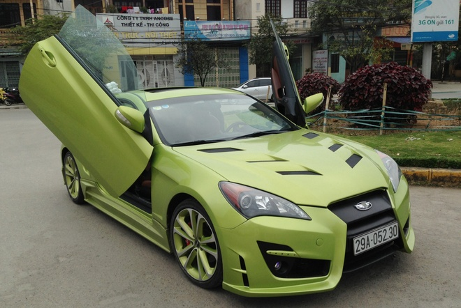 Hyundai Genesis do cua cat keo Lamborghini o Thanh Hoa hinh anh