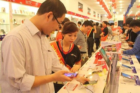 Thi truong smartphone Viet: Ngon nhung khong de xoi hinh anh