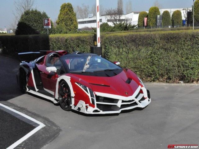 Lamborghini Veneno Roadster gia hon 3 trieu euro hinh anh