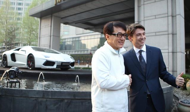 Sieu xe Lamborghini Aventador thua rieng cho Thanh Long hinh anh