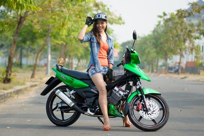 Nguoi dep Viet khoe dang cung Suzuki FX125 va Satria F150 hinh anh