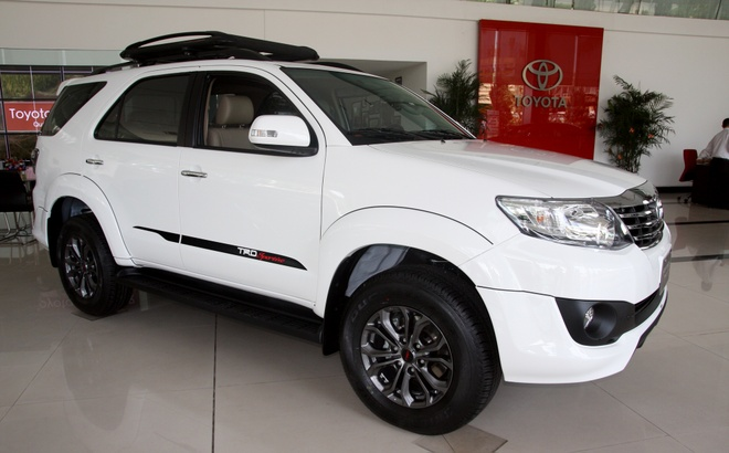 Chi tiet Toyota Fortuner 2014 mau trang tuyet gia hon 1 ty hinh anh
