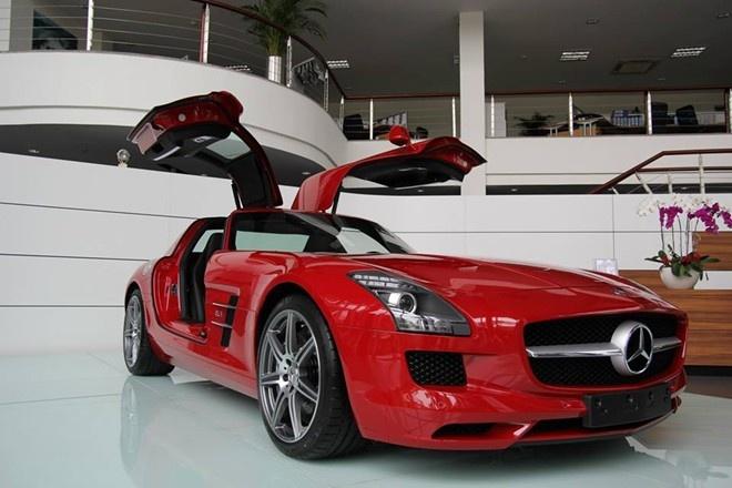 Bo tu sieu xe Mercedes-Benz doc dao o Viet Nam hinh anh 3