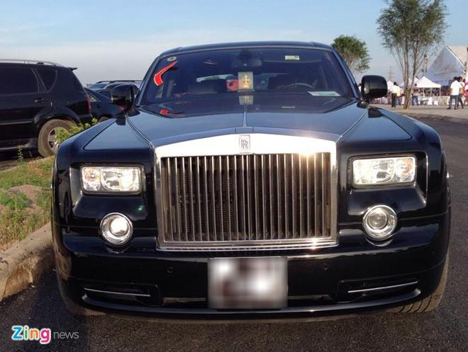 Rolls-Royce, Bentley gop mat trong dam cuoi sieu sang dat Mo hinh anh 5