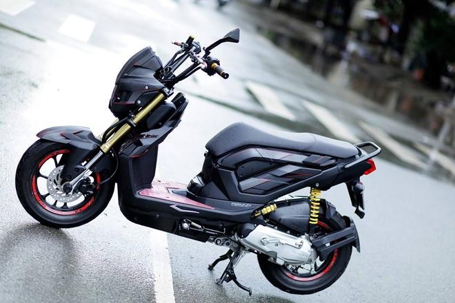 Honda Zoomer-X do phong cach nguoi may RoboCop hinh anh
