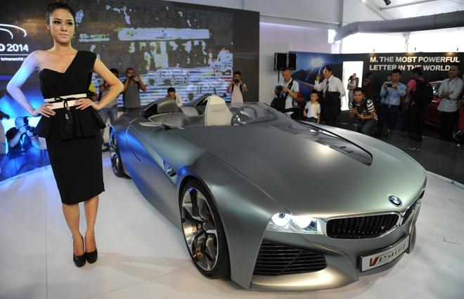 Dan xe sang BMW, MINI pho truong thanh the o Ha Noi hinh anh