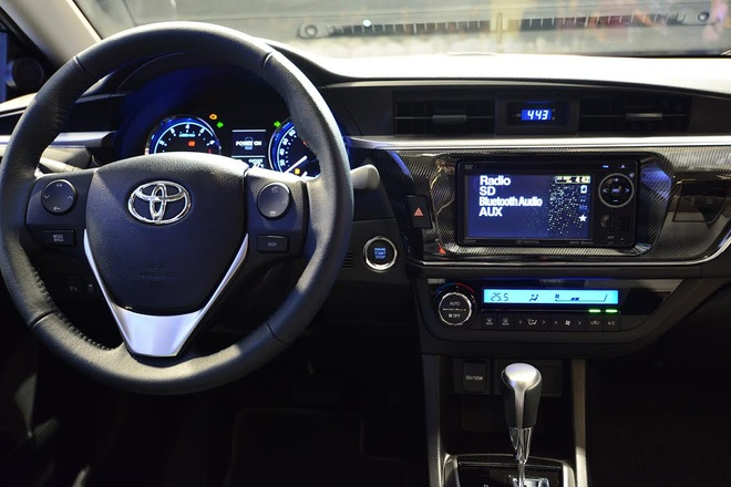 Anh chi tiet Toyota Corolla Altis vua ra mat o Viet Nam hinh anh 10
