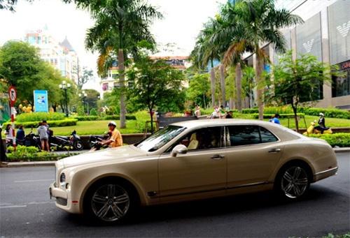 Dai gia Viet dang so huu 230 chiec xe sang Bentley hinh anh