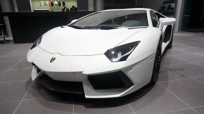 Anh chi tiet Lamborghini Aventador chinh hang dau tien o VN hinh anh
