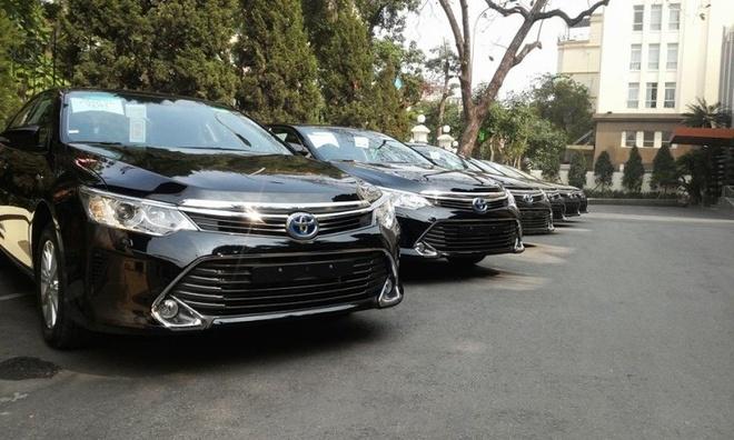 Toyota Camry Hybrid 2015 xuat hien o Viet Nam hinh anh