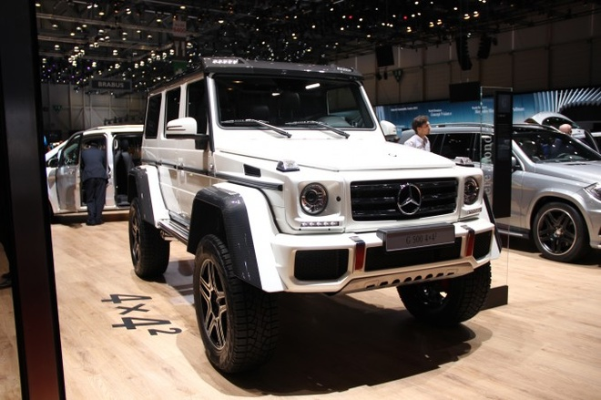 10 mau xe dang chu y tai Geneva Motor Show 2015 hinh anh 1 10. Mercedes-Benz G500 4x4 Squared Concept   This is what happens when Mercedes-Benz decides to build a jacked up truck. The G500 4×4 Squared has a 422-hp 4.0-liter turbo V8 and 17.7 inches of ground courtesy of portal axles, a serious off-road suspension and huge tires. Mercedes maintains that this is a concept car for now, but there's a good chance that could change if feedback on the auto show circuit is positive enough. Think of it this way, who doesn't need a German truck with a turbocharged V8 that can conquer the world?