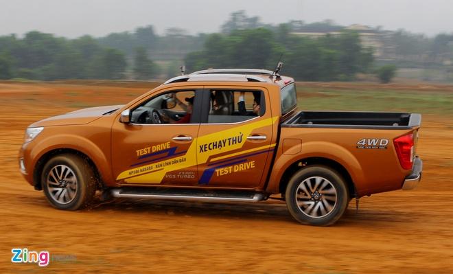 Anh chi tiet Nissan Navara 2015 vua ra mat o Viet Nam hinh anh 12