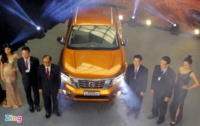Nissan Navara 2015 ra mat voi gia tu 645 trieu dong hinh anh 1