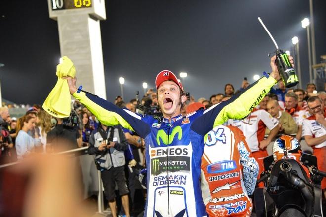Valentino Rossi ve nhat chang mo man MotoGP 2015 hinh anh 1 Valentino Rossi về nhất tại chặng mở màn Commercial Bank Grand Prix of Qatar 2015.