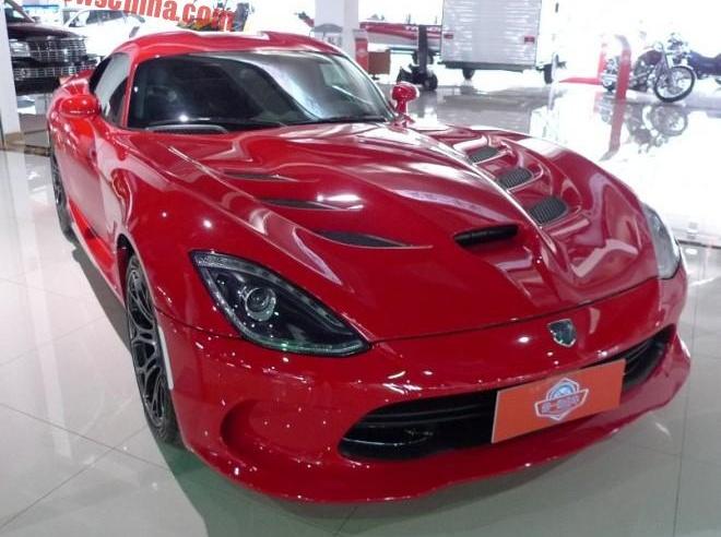 Dodge Viper 2015 ve Trung Quoc dat gap 5 lan o My hinh anh