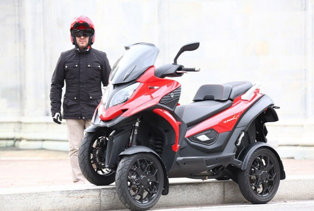 Scooter 4 banh voi dong co 350 phan khoi hinh anh