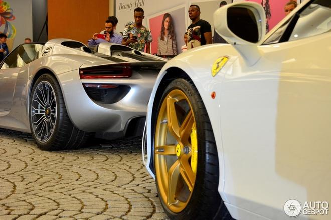 Ferrari 458 Speciale voi bo vanh ma vang o Dubai hinh anh