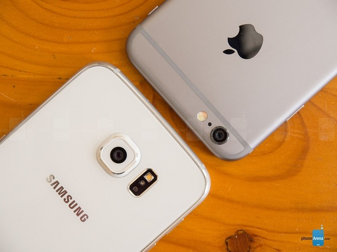 Nhieu iFan mang iPhone cu doi lay cap Galaxy S6, S6 Edge hinh anh