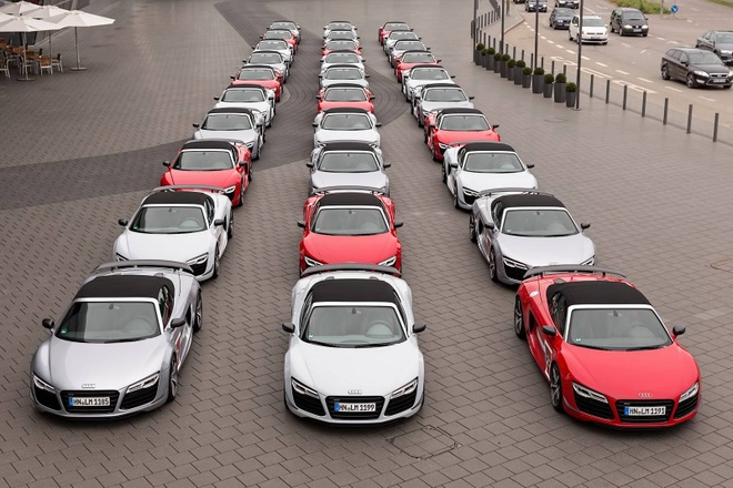 30 sieu xe Audi R8 Spyder te tuu o Duc hinh anh