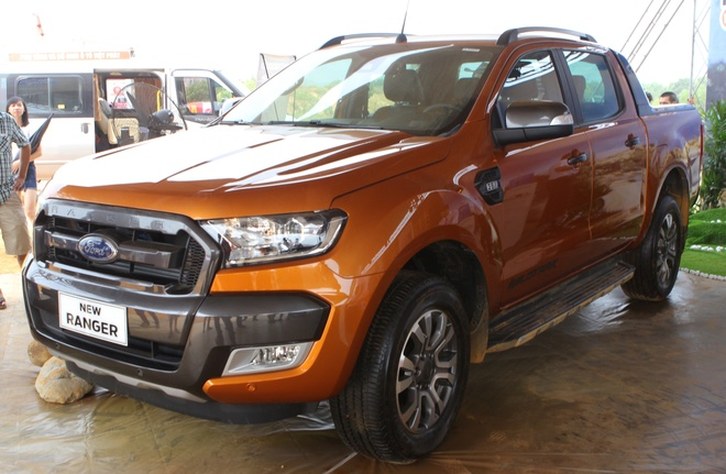 Anh chi tiet Ford Ranger 2015 vua ve Viet Nam hinh anh