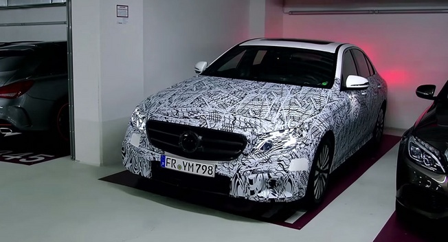 Dung smartphone de do xe Mercedes-Benz hinh anh