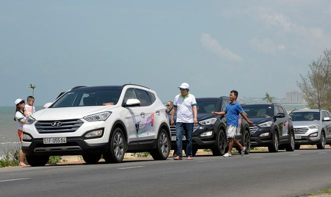 Dan xe Hyundai Santa Fe tu hop o Phan Thiet hinh anh 1