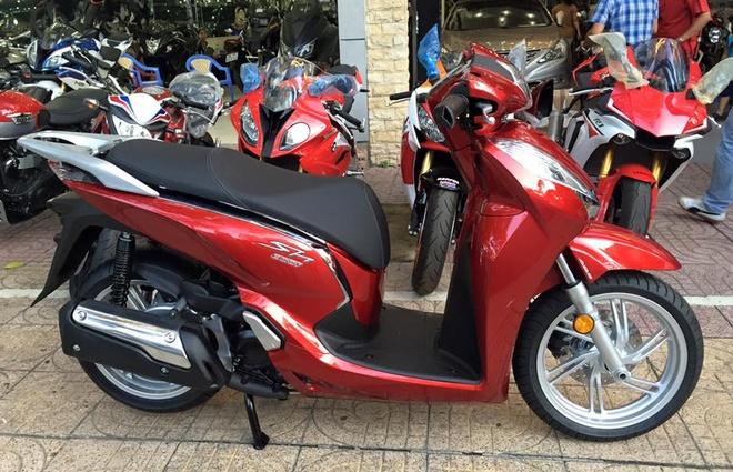 Honda SH300i 2015 dau tien ve Viet Nam voi gia 14.000 USD hinh anh