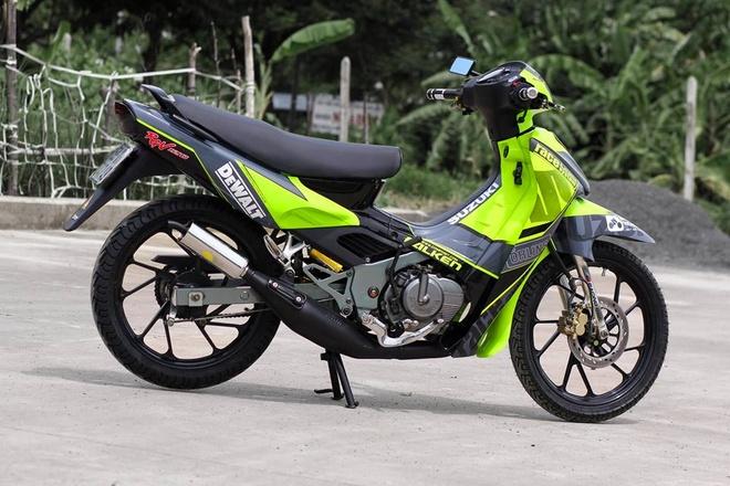 Suzuki RGV 120 voi mau xanh bat mat o Sai Gon hinh anh 2