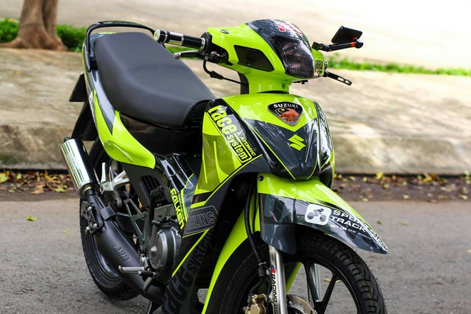 Suzuki RGV 120 voi mau xanh bat mat o Sai Gon hinh anh 4